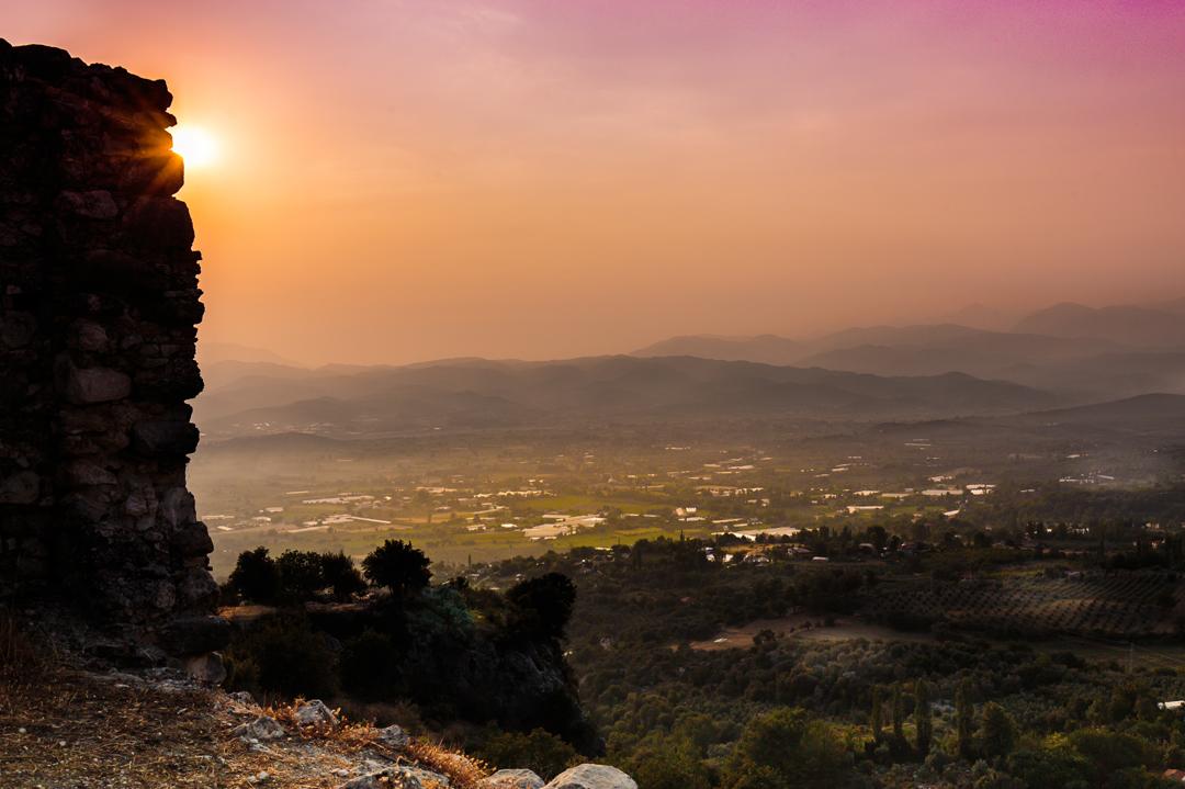 Zonsondergang-langs-rots