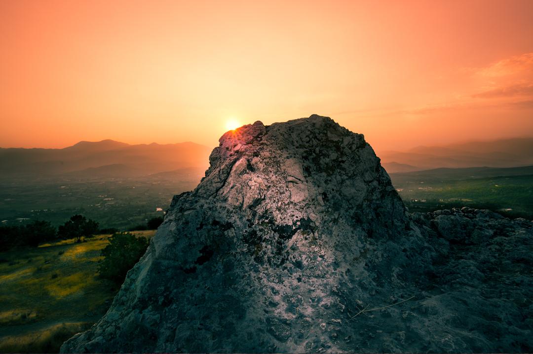 Zonsondergang-op-rots